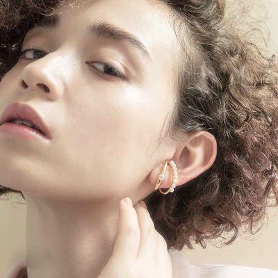 Pearl Cochlea Hoop Earring