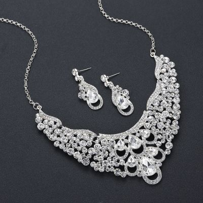 Wedding Rhinestones Ladies Jewelry Set Necklace and Earring Set
