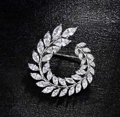 Cubic Zircon Classic Leaf Woman Brooches Collar Pin