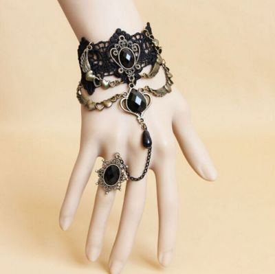 Gothic Hearts Lace Bracelet Ring