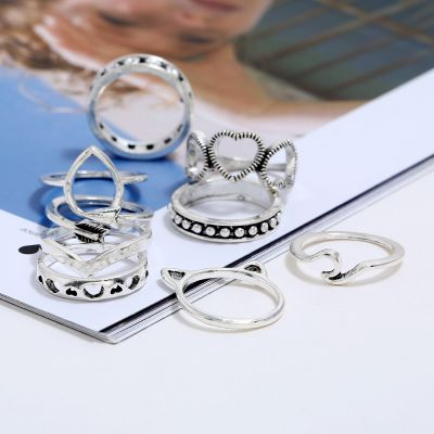 Hollow out Hearts Layering Rings Arrow Midi Ring 8-Pack Ring Set