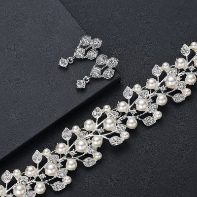 Rhinestone Pearls Bridal Jewelry Set Necklace and Earring Set